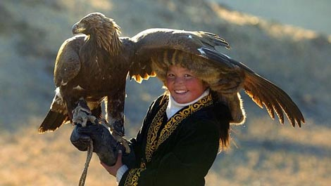 Gospodarica orlova (The Eagle Huntress), red. Otto Bell