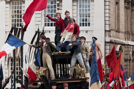 Jadnici (Les Misérables), red. Tom Hooper