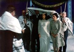 Pjesma za vjenčanje (Le Chant des mariées), red. Karin Albou