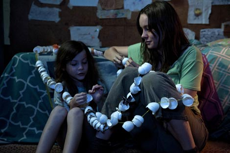 Soba (Room), red. Lenny Abrahamson
