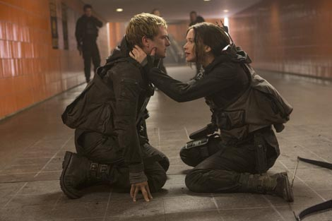 Igre gladi: Šojka rugalica 2. dio (The Hunger Games: Mockingjay – Part 2), red. Francis Lawrence