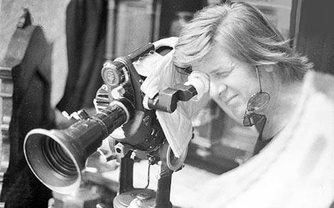 Tomislav Pinter na snimanju TV drame Drveni sanduk Tomasa Vulfa, 1973. godine