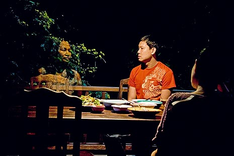 Ujak Boonmee koji se sjeća prošlih života (Loong Boonmee raleuk chat), red. Apitchatpong Weerasethakul