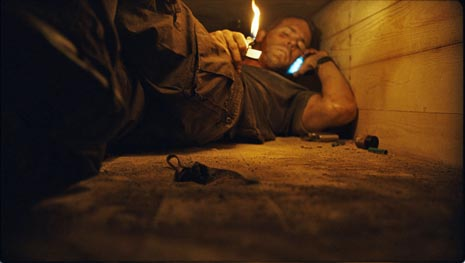 Živ zakopan (Buried), red. Rodrigo Cortés